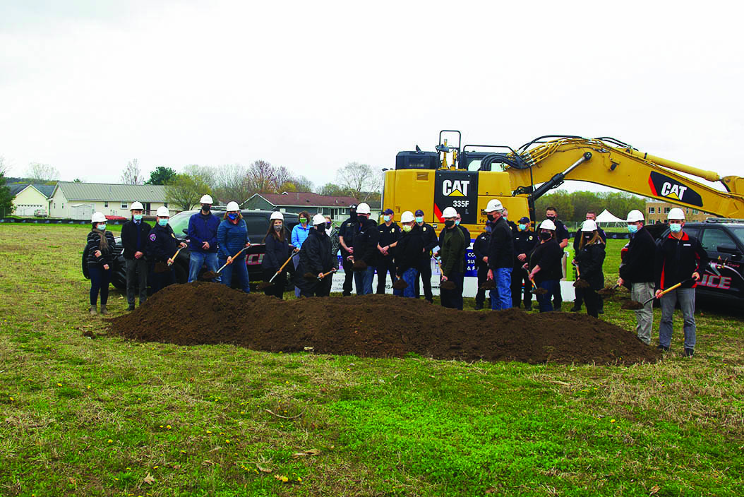 At left, Police Commission President Paul Dietmann thanked members of the Prairie du Sac and Sauk City Village Boards and the Village Administrators, as well as the Sauk Prairie School Board and Superintendent Jeff Wright for their support of the new police station project. Also pictured are building design staff from MSA of Baraboo, and General Contractor staff from Kraemer Brothers Inc of Plain.