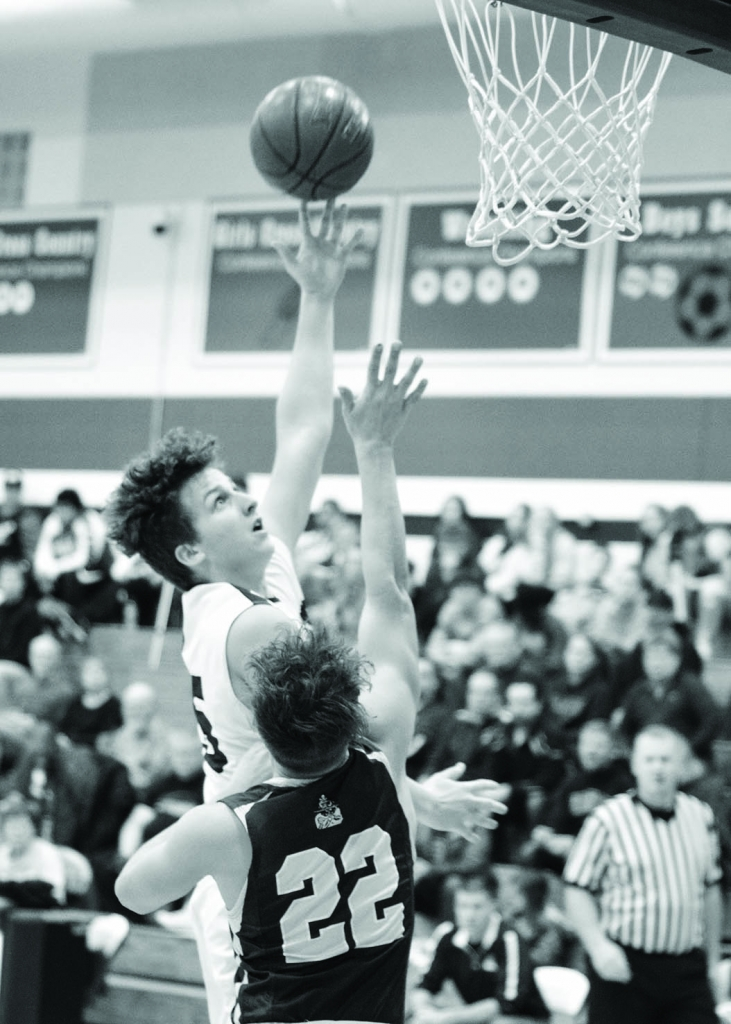 Wisconsin Heights' boys basketball team split a pair of games last week.The Vanguards defeated Waterloo, 73-49, last Friday. Heights also...